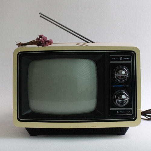 vintage GE color TV