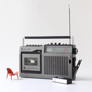 vintage National cassette radio
