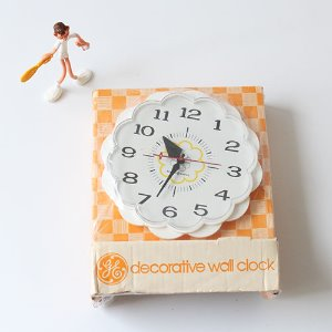 Vintage DAISY wall clock (NEW)