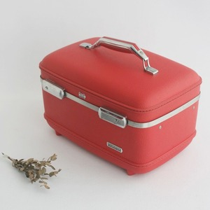 vintage train case (RED)
