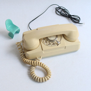vintage princess desk phone