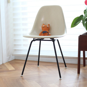 Vintage eames Chair(IVORY)